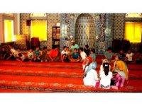 Sarıgöl'de Kur'an kursunu bitiren çocuklara mangal keyfi