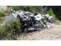 Amasya'da otomobil şarampole devrildi: 3 ölü, 4 yaralı