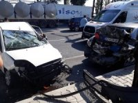 Zincirleme kazada 7 araç birbirine girdi; 1 ölü, 7 yaralı
