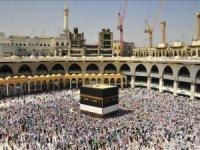 Mekke'de bayram öncesi son cuma