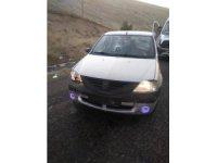 Lastiği patlayan otomobil kaza yaptı: 4 yaralı