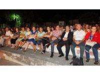 Burhaniye'de Abdullah Şahin Tiyatrosu gülmekten kırdı geçirdi
