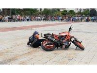 Motosiklet Festivali'nde yürekleri ağza getiren an