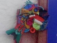 Denizden çıkan atıklardan, balık heykeli yaptılar