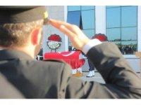 Kalbine yenik düşen polis için tören düzenledi