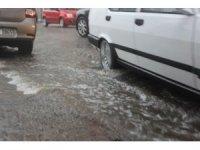 Aydın sağnak yağmura hazırlıksız yakalandı