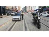 Tramvay yolunu işgal edenlere göz yumulmuyor