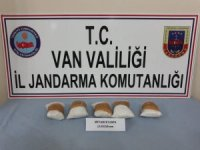 Jandarma araziye atılmış çuvalda 2 Kilo 553 gram metamfetamin ele geçirdi