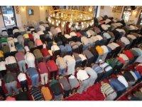 Anadolu'nun ilk camisinde bayram namazı