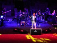 Erol Evgin Bodrum Antik Tiyatro'da konser verdi