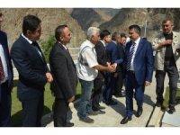 Bakanlar Turhan ve Pakdemirli sular altında kalacak Yusufeli'nde incelemelerde bulundu