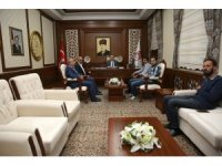 Eczacılar Odası Bölge Başkanlığı heyeti Vali Pehlivan'ı ziyaret etti