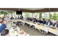 Rus Büyükelçi Yerhov Trabzon'da işadamları ile yemekte buluştu