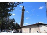 Eğri minarenin sırrı çözülüyor
