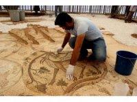 Bölgenin en büyük mozaiği restore ediliyor