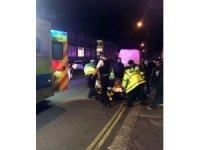 İngiltere'de camiden çıkanlara arabayla saldırı: 3 yaralı