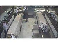 Aksaray'da kuyumcu hırsızlığı kamerada