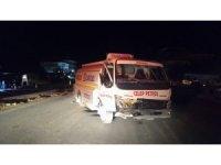 Akaryakıt tankeri otomobile çarptı: 2 yaralı
