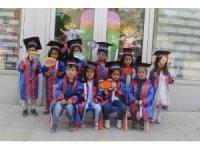 Başkale'de minikler mezun oldu