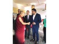 Türk asıllı milletvekilinden Dalai Lama'ya çağrı