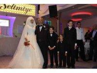 Suriyeli eczacının gelinlik hayali 13 yıl sonra gerçek oldu