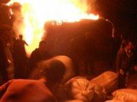 Horasan'da 25 bin balya ot yanarak kül oldu