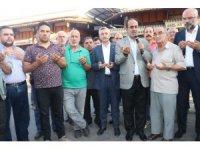 Gaziantep'te iş yerleri sabah namazının ardından dualarla açılıyor