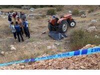 Yaşlı adam şarampole inen traktörünün yanında ölü bulundu