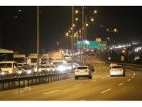 TEM Gebze-Dilovası arasında yol çalışması trafiği felç etti