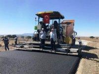 Başkan Musa Yılmaz, köy yolu yapım çalışmalarını inceledi