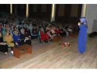 """Beyşehir'de, """"Bağırmayan Anneler"""" konulu konferans"""