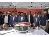 Cumhurbaşkanlığınca Diyarbakır'da aşure dağıtıldı