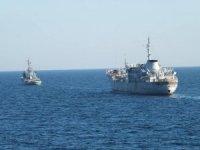Ukrayna gemileri Rus deniz sularında ilerliyor