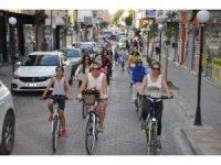 """Kadirli'de """"Süslü Kadınlar Bisiklet Turu"""" etkinliği"""