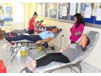 Tarım personeli kan bağışladı