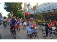 Isparta'da süslü kadınlar bisiklet turu
