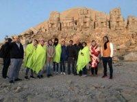 Kazakistanlı gazeteciler Nemrut Dağına hayran kaldı