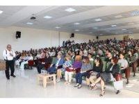 """Kütahya Sağlık Bilimleri Üniversitesinde  """"Geleneksel ve Tamamlayıcı Tıp Manuel Terapi"""" Konferansı"""