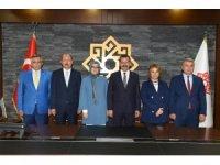 AK Partili vekiller Karesi Belediyesi ziyaret etti