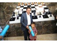 Başkan Subaşıoğlu'ndan çocuklara anlamlı hediye