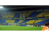 Fenerbahçe'den derbi koreografisi