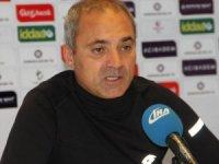 """Erkan Sözeri: """"Bu stadı FIFA yetkilileri görse bize süt kupasını bile vermezler"""""""