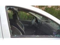 Araçların camlarını kırarak kayıplara karıştılar
