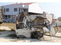 Göçmenleri ölüme taşıyan kamyon, yediemin deposunda