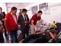 Üniversite öğrencilerinden rekor kan bağışı
