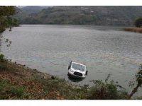 Kamyonet baraj gölüne uçtu: 1 ölü