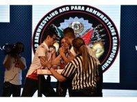 FÜ Öğrencisi Cabaoğlu, bilek güreşinde Dünya Şampiyonu oldu