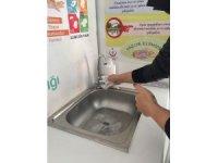 Çocuklara ve yetişkinlere el yıkama dersi