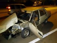 Ağaca çarpan sürücü hastanede hayatını kaybetti