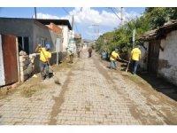 Büyükşehir Nazilli Durasıllı'da çevre temizliği yaptı